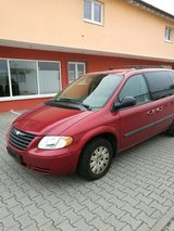 '05 Chrysler T&C Minivan 7 Seats US SPECS AUTOMATIC A/C, V6, Low Miles, New Service, New TÜV!! in Ramstein, Germany