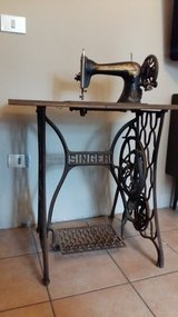 Vintage sewing machine early 900s in Vicenza, Italy