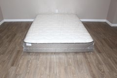 Queen size mattress- Hampton and Rhodes in Kingwood, Texas