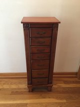Free Standing Jewelry Box in St. Charles, Illinois