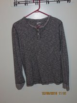 Arizona Jean Co Men's 100% Cotton Charcoal Gray Long Sleeve Henley Top Sz Small in Chicago, Illinois