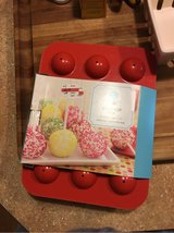 new Martha stewart cake pop pan in Spring, Texas