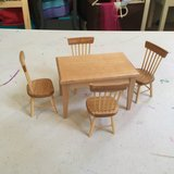 Dollhouse table and chairs in Oceanside, California