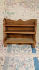 Barnwood shelf in Naperville, Illinois
