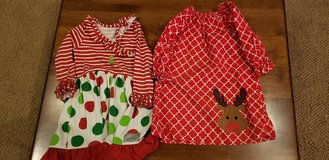 Girls Size 4 Christmas Dresses in Naperville, Illinois
