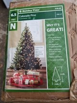 Lighted Christmas tree 6 1/2 ft. in Fort Campbell, Kentucky