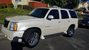 2006 Cadillac Escalade AWD/ Pearl White in Fairfield, California