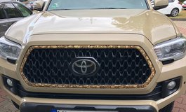 Toyota Tacoma 2018 front grill insert in Ramstein, Germany