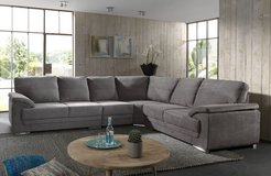 United Furniture - Vito Sectional -  Available in other colors - reverse  - price with delivery... in Stuttgart, GE