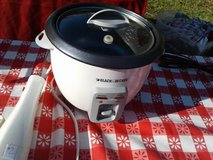 Small Black & Decker Crock Pot in Camp Lejeune, North Carolina
