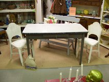 Enamel Top Table with 2 Chairs in Warner Robins, Georgia