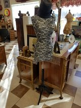 Jersey Dress form on adjustable stand. in Fort Leonard Wood, Missouri