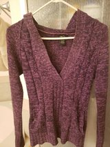 Women's Rue 21 V-Neck Pullover Knit Sweater Hoodie in Alamogordo, New Mexico