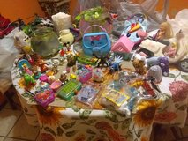 Huge Toy games stuffed animals dolls lot in Fort Bliss, Texas
