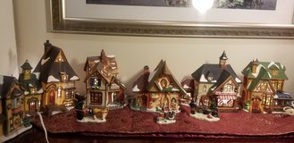 Set of 6 Christmas Lighted Houses in Chicago, Illinois