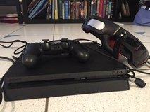 Like New, Sony PlayStation 4 1TB Slim Gaming Console, Controller, Headset, Battlefront 2 in Stuttgart, GE