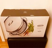 new Martha Stewart Roaster tray with top cover in Ramstein, Germany