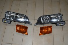 OEM Toyota Chaser JZX100 Kouki Head Lights with corner lights in Okinawa, Japan