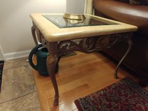 2 end tables, coffee table, and 2 lamps in Bolling AFB, DC