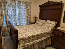 ANTIQUE FULL SIZE BED in Macon, Georgia