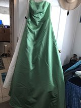 On sale today ! 30.00 Green gown in Cherry Point, North Carolina