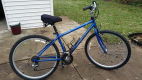 1998 Schwinn Sierra  Women's Hybrid 21 Speed Bicycle in Naperville, Illinois
