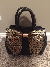 Betsey Johnson Purse LIKE NEW in Fort Campbell, Kentucky