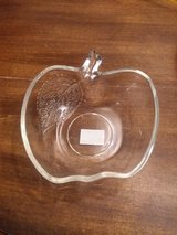 Cute glass Apple trinket/candy dish in 29 Palms, California