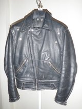 full thickness leather motorcycle jacket with detatchable fur collar in Fort Irwin, California