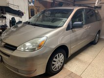 2004 Toyota Sienna LE in Chicago, Illinois