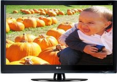 "LG 32LH40  32"" LCD 1080P 120Hz, Intell Sensor TV...Like New ! Comes with remote in Clarksville, Tennessee"