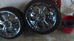 23 inch 5 lug chrome wheels and tires ...Universal in Fort Campbell, Kentucky
