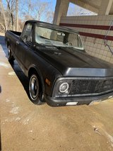 1971 Chevy C10 Fleetside LWB 2wd in Fort Campbell, Kentucky