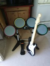 XBox 360 rock band set works good don't need no more pick up only in 29 Palms, California