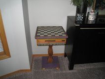Vintage Shoestring Creations Game Table in Bolingbrook, Illinois