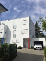 Modern Home 3 BR, 3BA with garage- 5 min from Hainerberg in Wiesbaden, GE