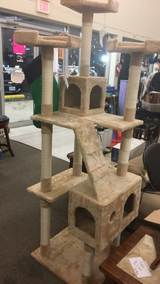 Cat Tree House (New) in Fort Leonard Wood, Missouri