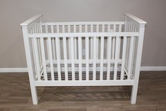 NEW Pottery Barn White Baby Crib- Mattress Included in Tomball, Texas