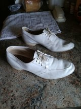 Bowling shoes, woman's 7 1/2 in Alamogordo, New Mexico