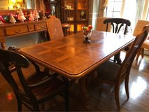 : ) Dining Table & 4 Chairs. in Naperville, Illinois
