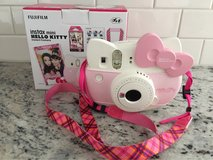 Hello Kitty Polaroid Camera in Joliet, Illinois