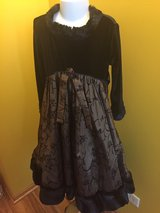 Formal dress girls sz 4 in Morris, Illinois