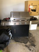 Char-Broil Infared/Gas Grill w/ 2 Propane Tanks in Schofield Barracks, Hawaii