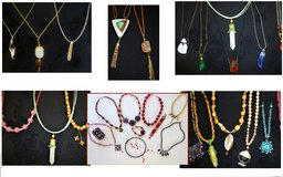 Necklaces new in Naperville, Illinois