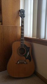 Epiphone Dove Acoustic guitar in Lockport, Illinois