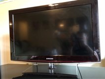 "Samsung flat TV 28""x16"" in Fort Leonard Wood, Missouri"