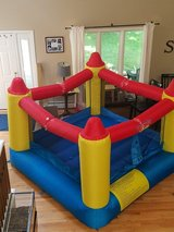 Bounce Around blow up bounce house in Bolingbrook, Illinois