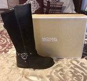 Size 1 Girls Michael Kors boots in Hinesville, Georgia