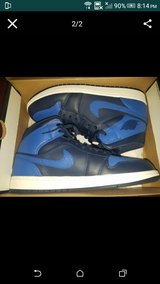 Jordan 1s Royal like new...size 11.5 in Fort Campbell, Kentucky