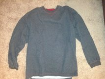 Grey Sweatshirt XXL in Aurora, Illinois